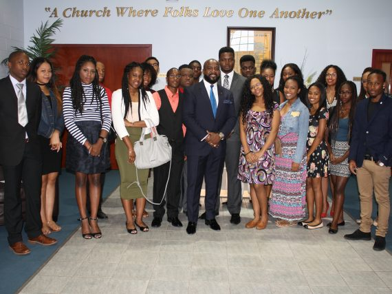 WORSHIP AND SUCCESS – Praise Cathedral Worship Centre Offers Scholarships to Young Members of Congregation Pursuing a Higher Education